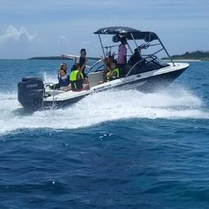 AG21ボートチャーター