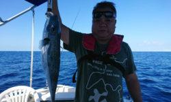 沖縄の沖釣りでフグが釣れました。