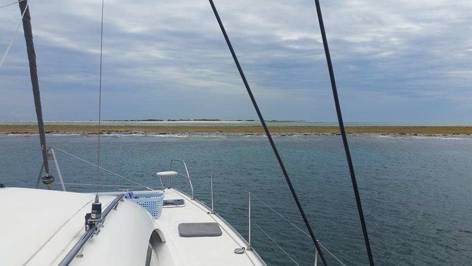ヨットから眺めるナガンヌ島
